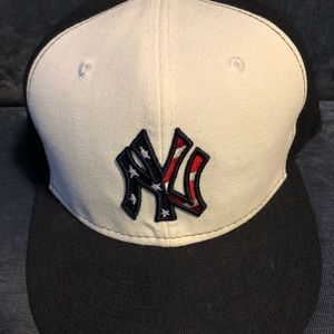 New York Yankees Authentic Hat 7 3/8 4th of July
